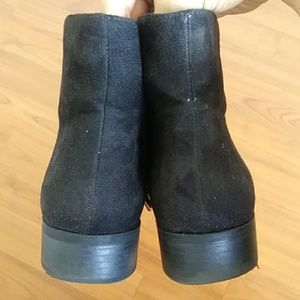 Forever 21 Shoes - Forever 21 black faux suede ankle boots EUC